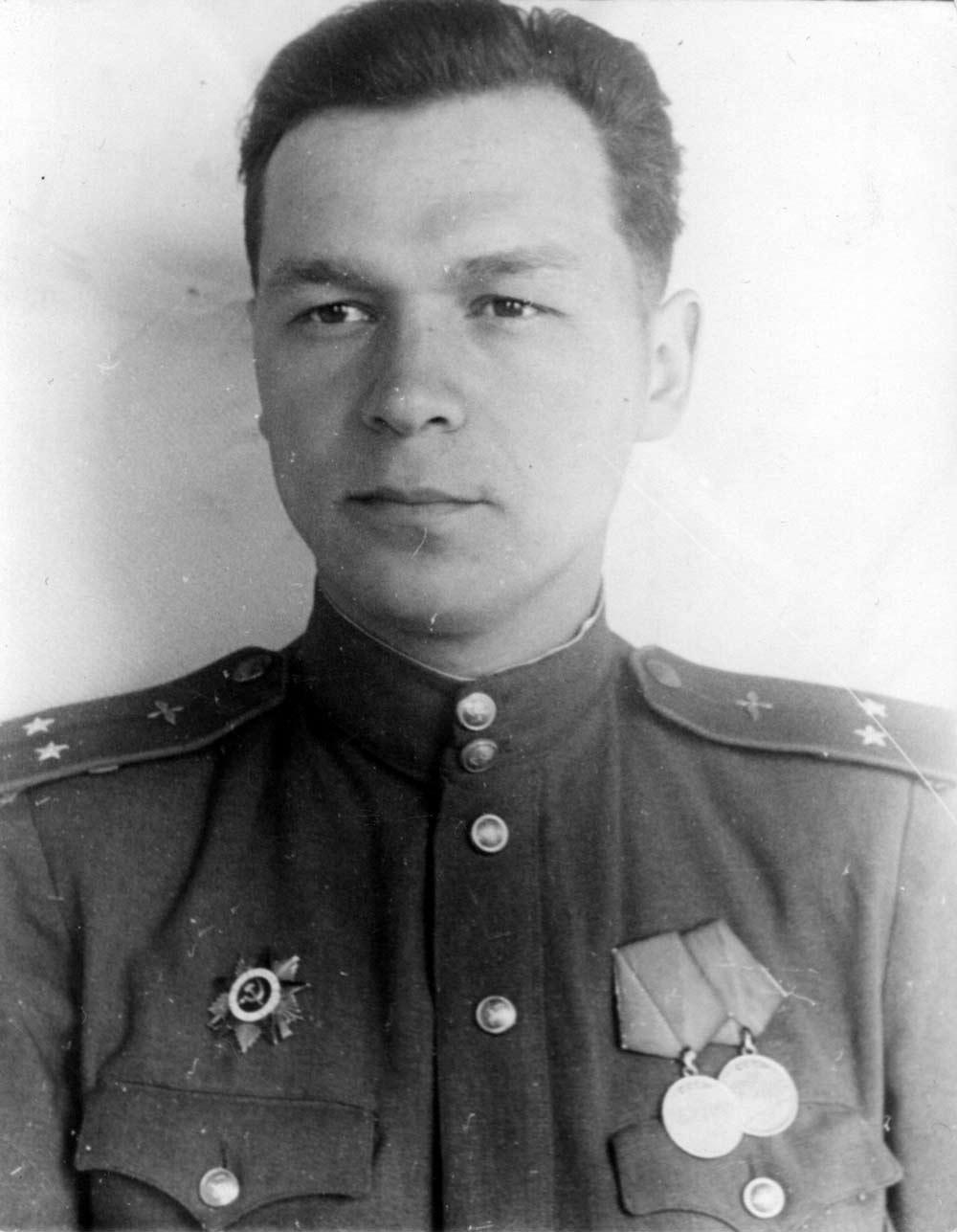 Бухгалтер советский плакат